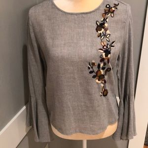 Tops - Zara embroidered Bell sleeve